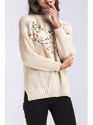 Round Neck  Side Slit  Embroidery Sweaters