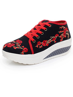 Embroidery Thick Sole Sneakers