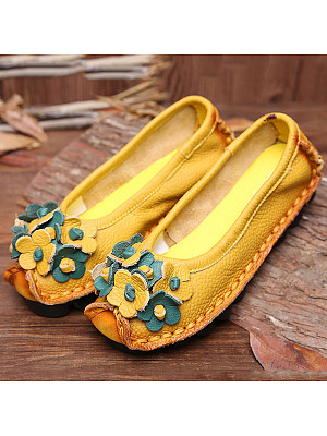 Embossed Floral  Faux Leather  Round Toe  Casual Flat & Loafers
